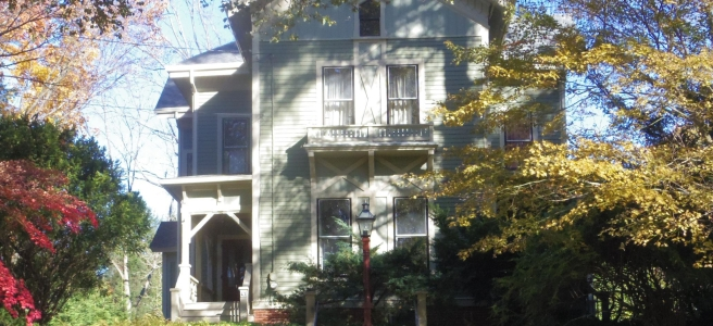 The poet Robert Frost (1874-1963) lived in Amherst from 1916 to 1938 and taught for many years at Amherst College. This was his home, at 43 Sunset Avenue.